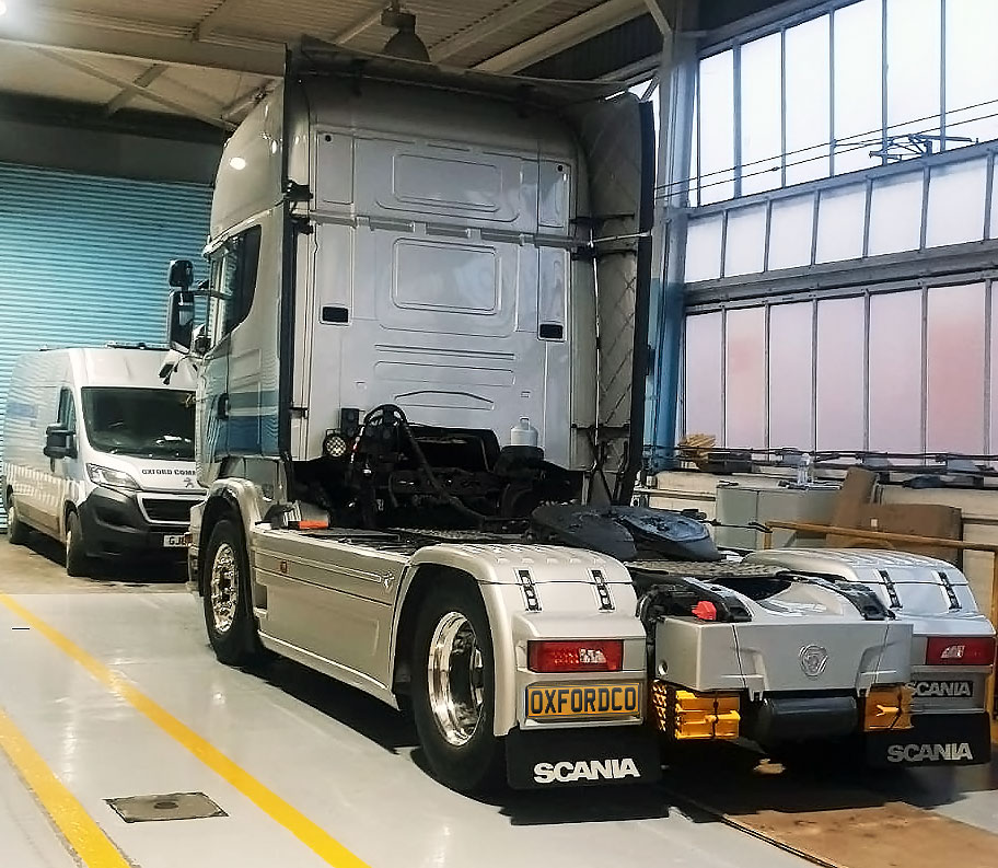 R650 V8 Scania Vabis Onsite Servicing Breakdown Alcoa Wheels